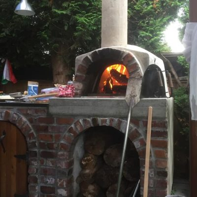 pizza oven with apple wood